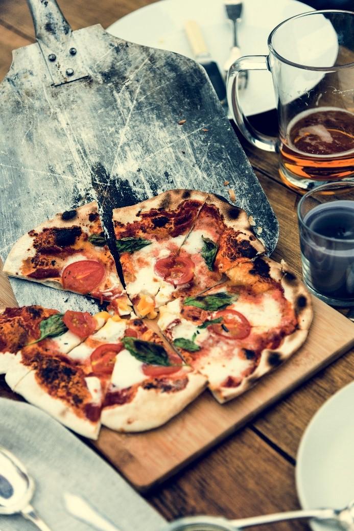 Pizza's bakken in jouw buitenkeuken